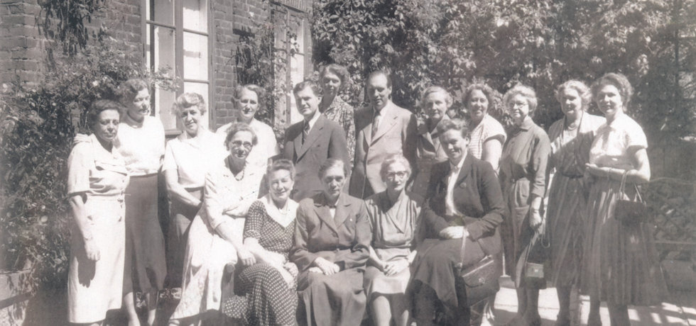 Photo from 1955 where the NNF's committees arranged a meeting with the leaders of the Nordic School of Public Health